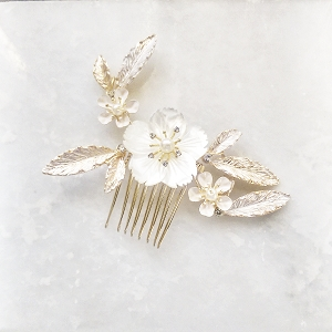 Vintage Mother of Pearl Floral Hair Comb