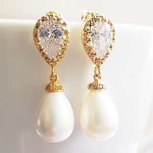 Teardrop  Pearl Earrings Gold