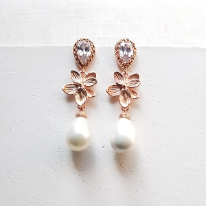 Flower pearl earrings rose gold