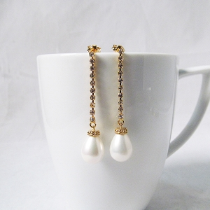 Pearl dangle wedding earrings gold